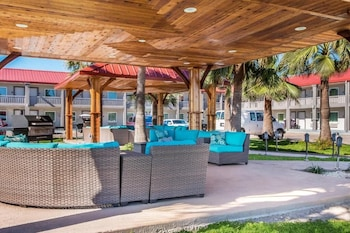 阿蘭瑟斯港紅屋頂飯店 Ocean's Edge Hotel, Port Aransas,TX
