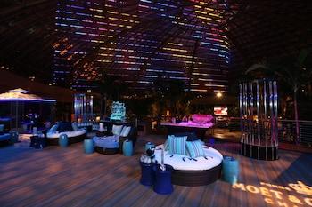 Harrah 39 s resort atlantic city atlantic city nj - Tropicana atlantic city swimming pool ...