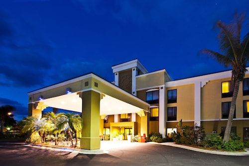 . Holiday Inn Express - Vero Beach