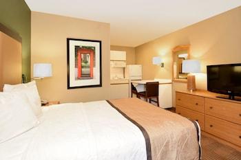 Guestroom at Extended Stay America - Washington D.C.- Fairfax - Fair Oaks in Fairfax