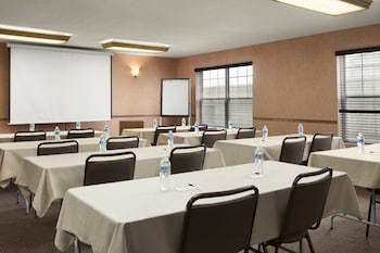 Country Inn & Suites by Radisson, Fort Dodge, IA - Meeting Facility  - #0