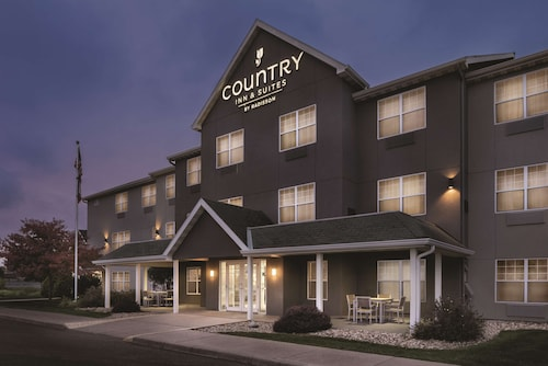 . Country Inn & Suites by Radisson, Waterloo, IA