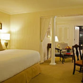 Guestroom at Fitzpatrick Grand Central in New York