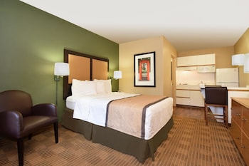 Guestroom at Extended Stay America - Fort Worth - Medical Center in Fort Worth