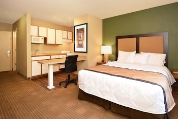 Guestroom at Extended Stay America - Fort Worth - Southwest in Fort Worth