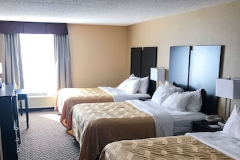 Standard Room, Multiple Beds, Non Smoking