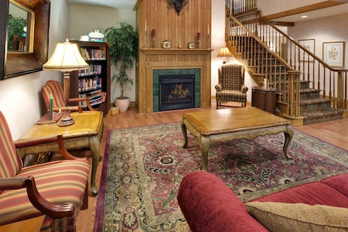. Country Inn & Suites by Radisson, Mount Morris, NY