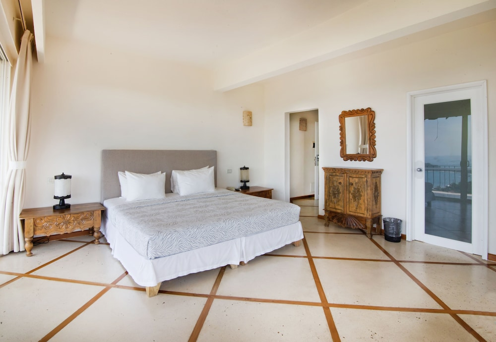 https://i.travelapi.com/hotels/1000000/120000/119400/119352/3bcceef7_z.jpg