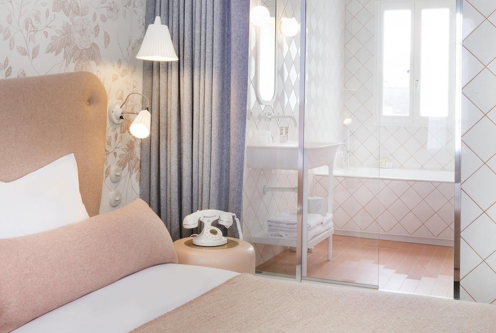 le lapin blanc classic vacations. Black Bedroom Furniture Sets. Home Design Ideas