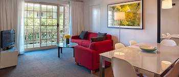 Hotel - Adina Serviced Apartments Canberra Kingston