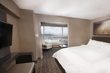 Suite, 1 King Bed, View