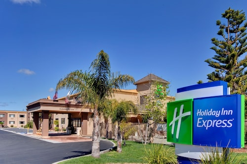 . Holiday Inn Express Lompoc
