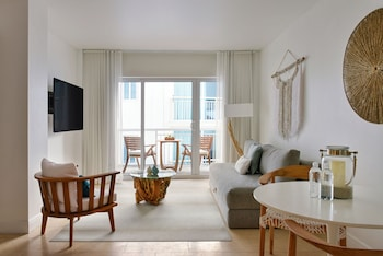 Deluxe Suite, 1 Bedroom, Balcony