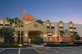 奧蘭多機場溫德姆華美達套房飯店 Ramada by Wyndham Suites Orlando Airport