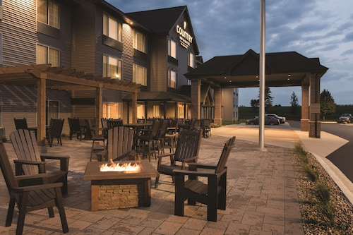 . Country Inn & Suites by Radisson, Mankato Hotel and Conference Center, MN