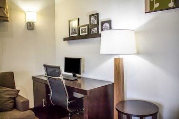Youngstown Vacations - Sleep Inn Austintown - Property Image 1