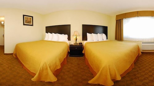 Hollies Hotel & Suites, Imperial