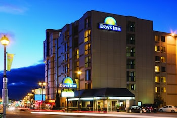 Hotel - Days Inn by Wyndham Niagara Falls Near The Falls