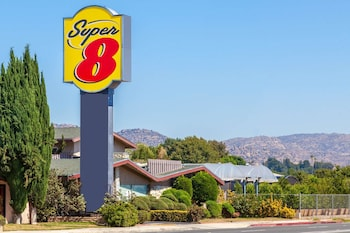 Hotel - Super 8 by Wyndham Canoga Park