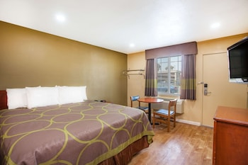Deluxe Room, 1 King Bed, Accessible, Non Smoking (Mobility/Hearing/Roll-Shower)