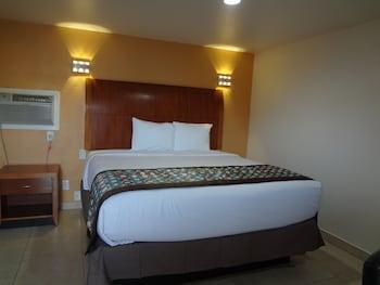 Home Away Inn & Suites photo