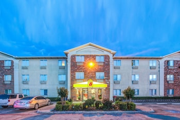 Hotel - Super 8 by Wyndham McKinney/Plano Area