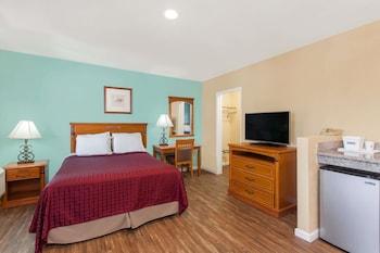 Suite, 2 Queen Beds, Non Smoking (One-Bedroom)
