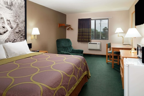 Super 8 by Wyndham Omaha NE, Douglas