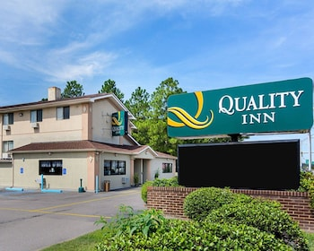 Exterior at Quality Inn in Chesapeake