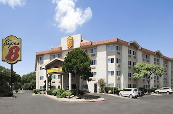 Hotel - Super 8 by Wyndham Austin North/University Area