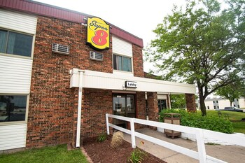 Minneapolis / St Paul Vacations - Super 8 by Wyndham Brooklyn Center/MPLS - Property Image 1