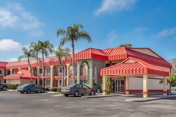 Hotel - Super 8 by Wyndham Clearwater/US Hwy 19 N