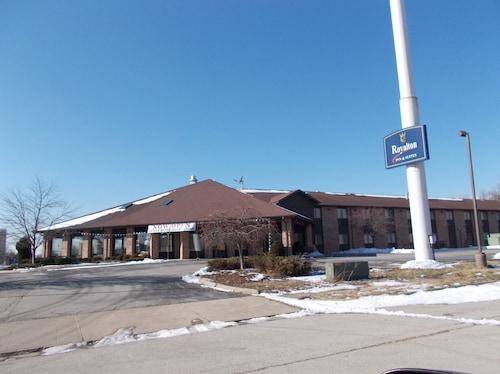 . Royalton Inn and Suites Wilmington