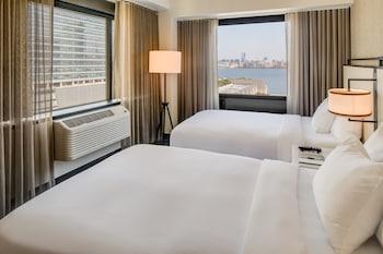 Premier Suite, 2 Double Beds, City View