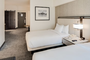 Guestroom at DoubleTree by Hilton Hotel & Suites Jersey City in Jersey City