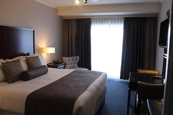 Standard Room, 1 Queen Bed, Refrigerator & Microwave