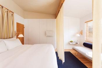 Standard Room (Large)