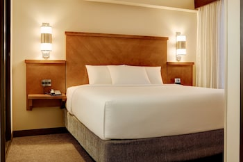 Room, 1 King Bed (High Floor)
