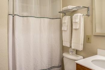 Crossland Salem North - Bathroom  - #0