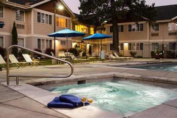 本德巴奇勒山廣場套房飯店 TownePlace Suites Bend Near Mt. Bachelor