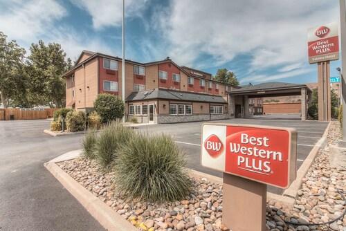 . Best Western Plus Yakima Hotel