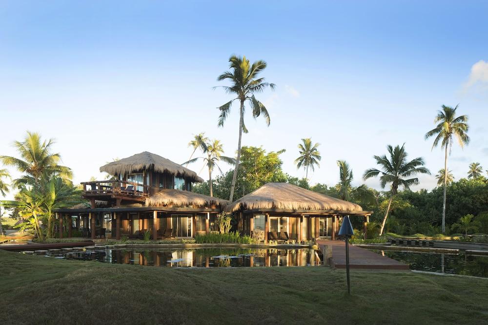 https://i.travelapi.com/hotels/1000000/130000/129100/129087/21afceee_z.jpg