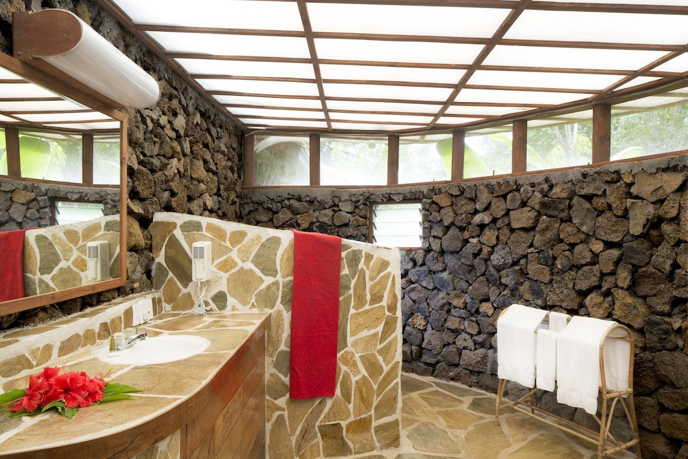 https://i.travelapi.com/hotels/1000000/130000/129100/129087/c887f93a_z.jpg