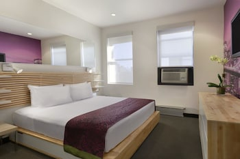 Business Room, 1 Queen Bed, Non Smoking (Premier Club)