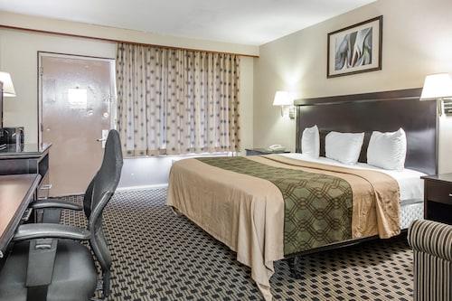 Econo Lodge West Haven, New Haven