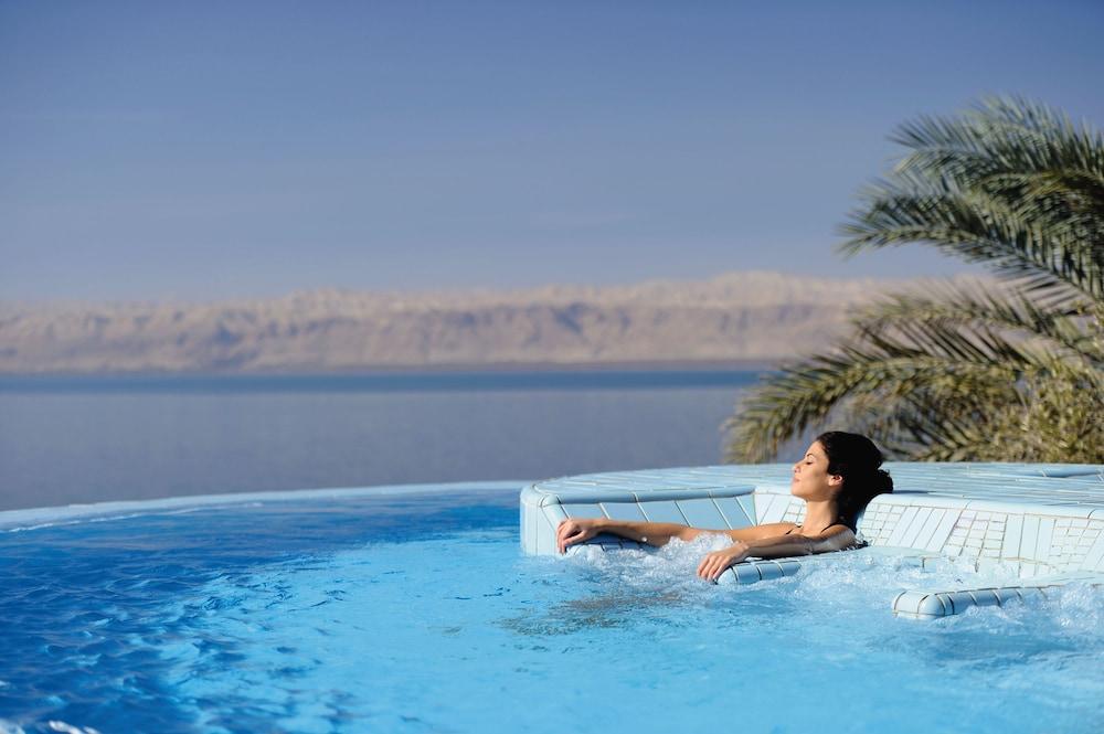 https://i.travelapi.com/hotels/1000000/160000/150600/150523/196dc1ed_z.jpg
