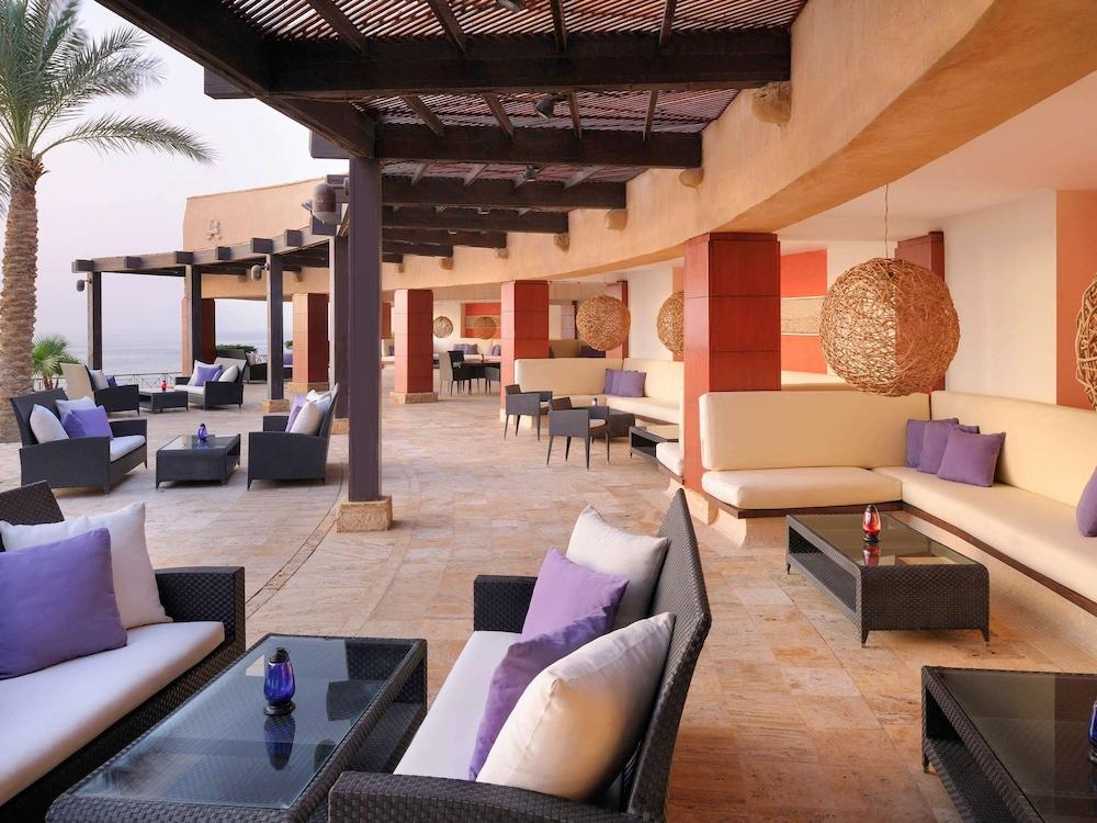 https://i.travelapi.com/hotels/1000000/160000/150600/150523/ba85ab9d_z.jpg