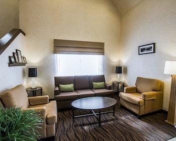 Lobby Sitting Area at Sleep Inn Phoenix North I-17 in Phoenix