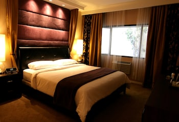 Deluxe Room Remodeled, 1 King Bed