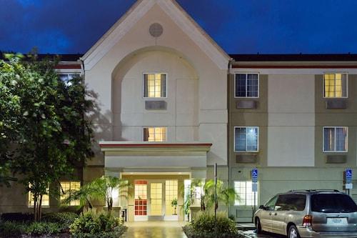 . MainStay Suites Orlando Altamonte Springs